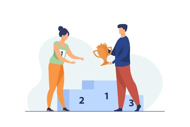 Vrouwelijke winnaar die de eerste prijs krijgt. man die gouden beker geeft aan vrouw op podium platte vectorillustratie. winnen, leiderschap, prestatieconcept Gratis Vector