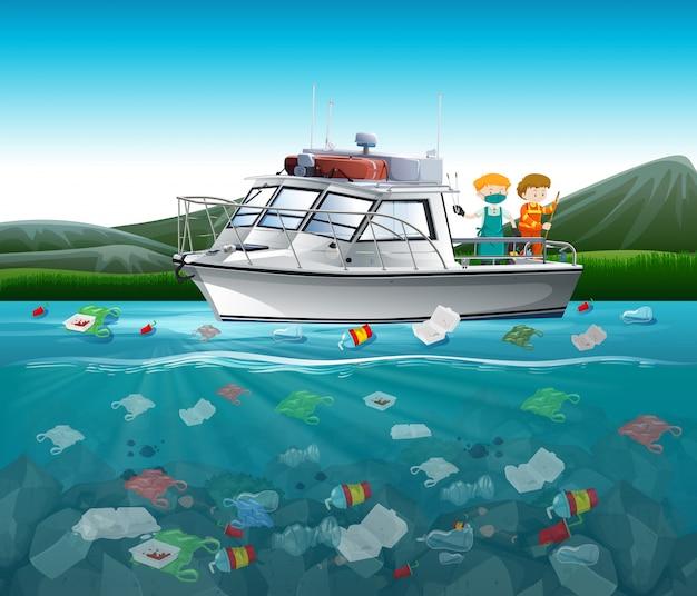 Watervervuiling met plastic zakken in oceaan Gratis Vector
