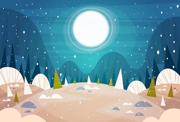 Winter bos landschap maan schijnt over besneeuwde bomen, prettige kerstdagen en gelukkig nieuwjaar banner vakantie concept Premium Vector