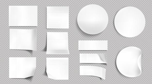 Witte papieren stickers, blanco vierkante, ronde en rechthoekige plaknotities. vector realistische set lege etiketten met gebogen en gevouwen hoeken, zelfklevende tags geïsoleerd op transparante achtergrond Gratis Vector