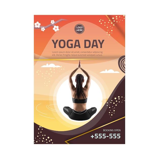 Yoga lichaamsbalans flyer verticaal Premium Vector