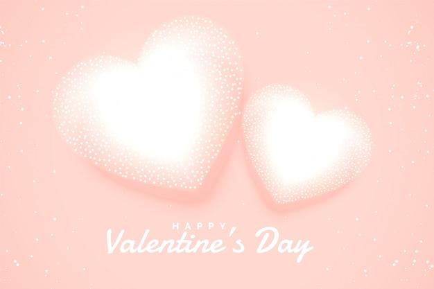 Zachte witte valentijnskaartenharten op roze achtergrond Gratis Vector