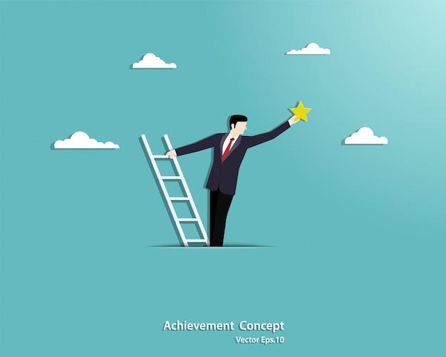 Zakenman die een trapladder op de wolken beklimt en voor de sterren bereikt Premium Vector