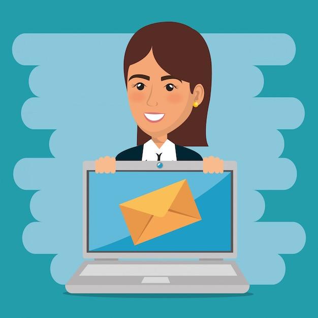 Zakenvrouw met e-mailmarketing pictogrammen Gratis Vector