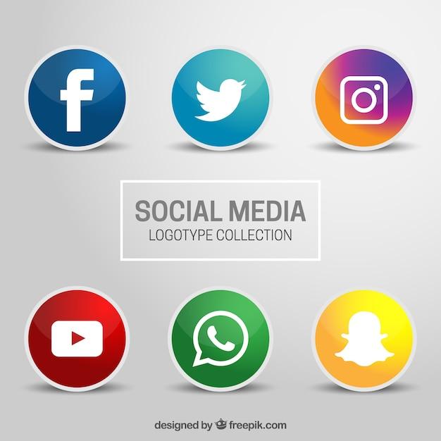 Zes iconen voor sociale netwerken op een grijze achtergrond Gratis Vector