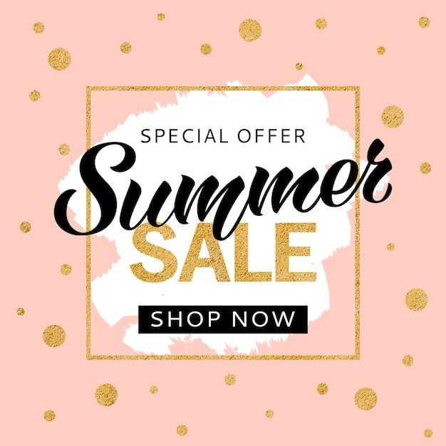 Zomer verkoop banner ontwerpsjabloon met gouden glitter en belettering voor flyer, uitnodiging, poster, website. speciale aanbieding, seizoensgebonden verkoopadvertentie. Premium Vector