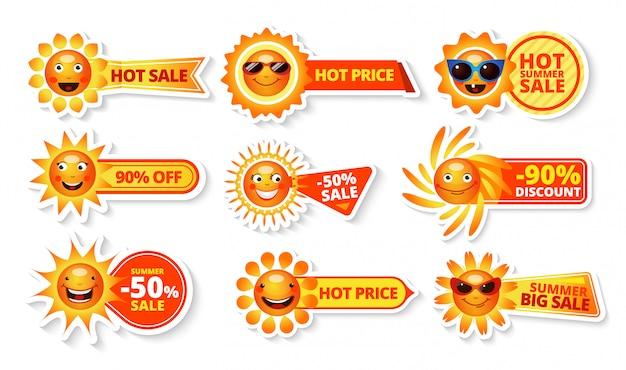 Zomer verkoop tags met smiley zon en warme prijs met grote korting labels Gratis Vector