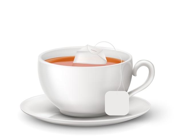 Zwarte thee met hete thee en theezakje in witte kop. illustratie Premium Vector